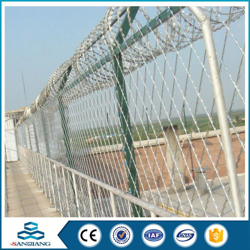 type of low price 12*14 electrical galvanized barbed wire